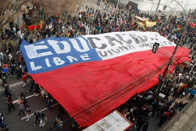 Protesto por melhorias no sistema educacional chileno em Valparaiso, 9 de Agosto de 2011.