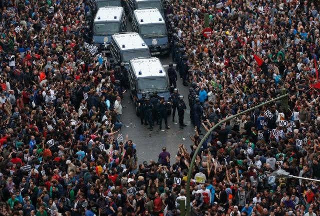 25 de Setembro de 2012, próximo ao parlamento espanhol.