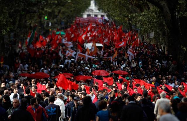 Manifestação contra medidas de auteridade do governo em 27 de Outubro de 2012.