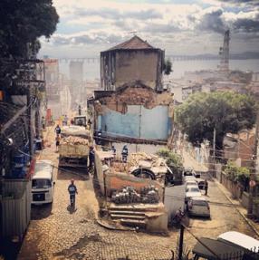 Remoção de casas no Morro da Providência. Fonte: Jimmy Chalk/ Nomadique Media.