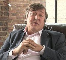Judeu e gay, celebrado artista escreve carta direto ao Primeiro Ministro Britânico comparando os jogos de 2014 aos de 1936, na Alemanha.