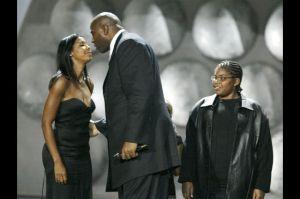 Johnson, a esposa e o filho em 2004.