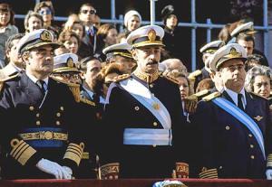 Massera, Videla e Agosti: os líderes da primeira Junta Militar que comandou a Argentina em sua última ditadura