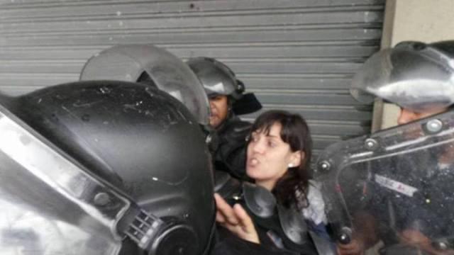 Prisão da professora Aluana. (Publicado no facebook)