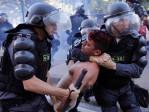 Manifestantes foram cercados e pelo menos 6 pessoas foram detidas no domingo passado.