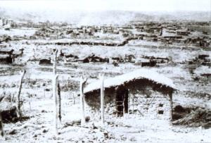 Belo Monte, segundo as lentes de Flávio de Barros, nos dias finais do arraial de Canudos.