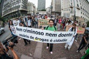 Manifestação em São Paulo pelo fim da guerra às drogas