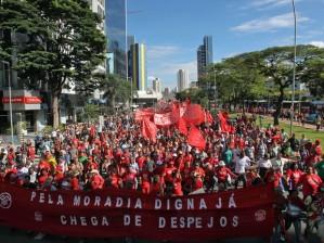 O MTST ocupa as ruas do país em sua luta por moradia e em defesa de uma nova lógica societária