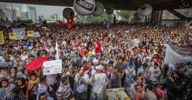 20/03 - Professores da rede estadual de São Paulo em greve