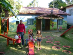 Ciranda Saci Pererê, onde semterrinhas e filhos de outros militantes aprendem enquanto as mães e os pais estão em formação.