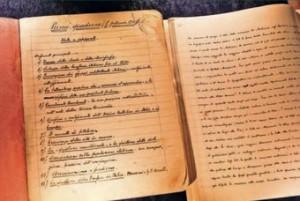 Os cadernos originais escritos por Gramsci na prisão
